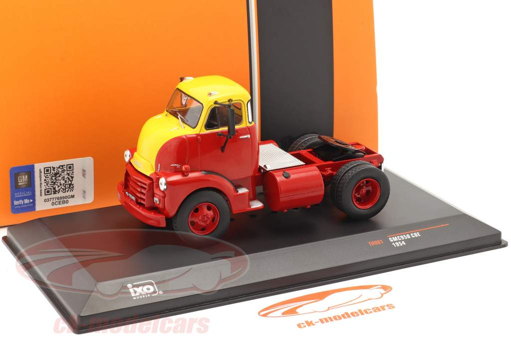 GMC 950 COE Vrachtauto bouwjaar 1954 rood / geel 1:43 Ixo