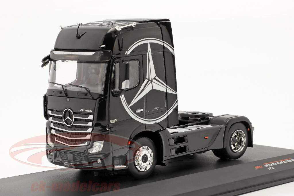 Mercedes-Benz Actros MP4 Vrachtauto bouwjaar 2012 zwart 1:43 Ixo