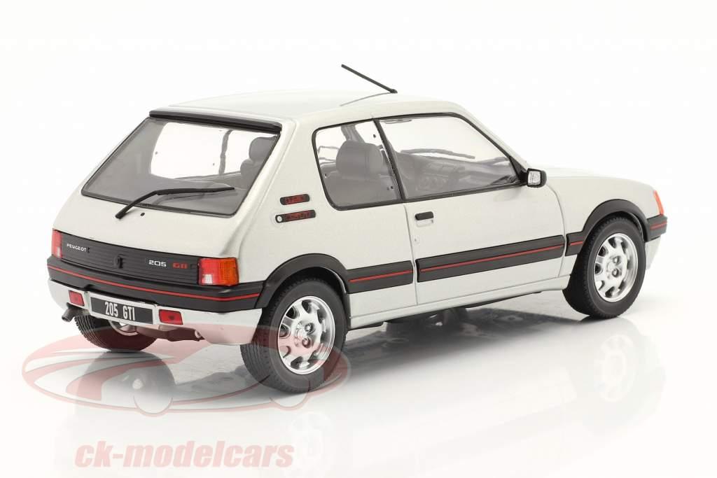 Peugeot 205 1.9 GTI Ano de construção 1988 prata 1:24 WhiteBox