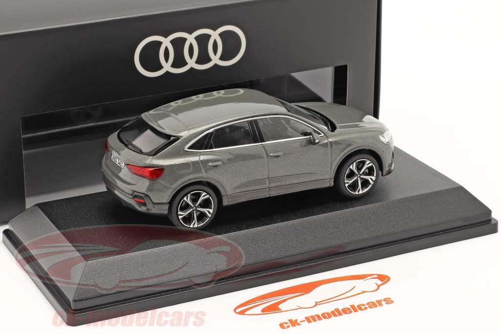 Audi Q3 Sportback (F3) bouwjaar 2019 chronos grijs 1:43 iScale