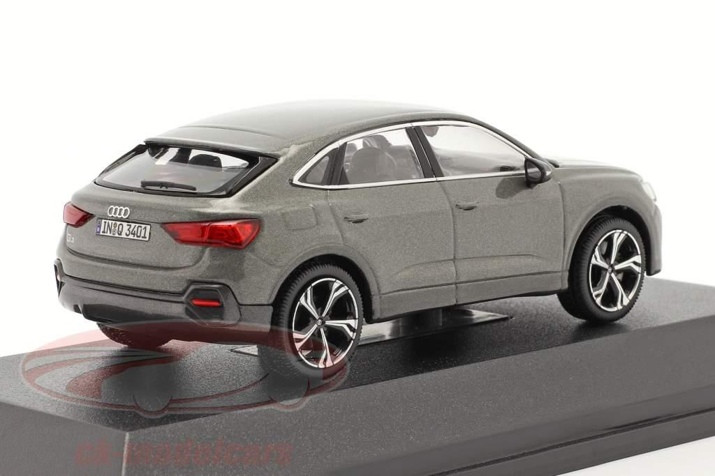 Audi Q3 Sportback (F3) Byggeår 2019 chronos grå 1:43 iScale