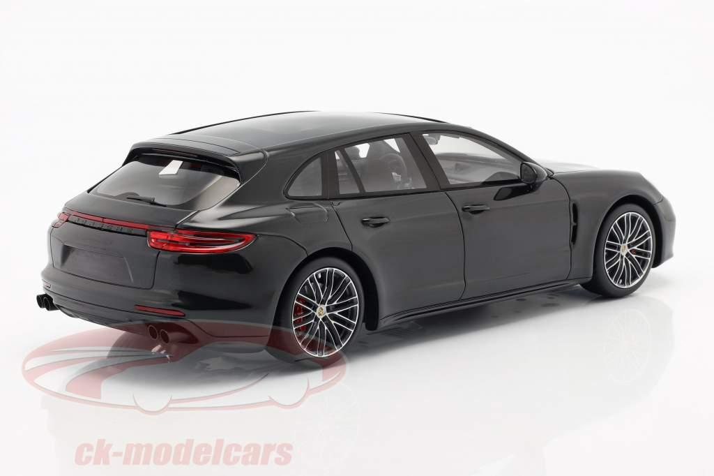 Porsche Panamera GTS Sport Turismo Byggeår 2018 sort 1:18 Spark
