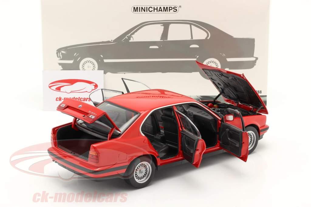 BMW 535i (E34) Ano de construção 1988 vermelho 1:18 Minichamps
