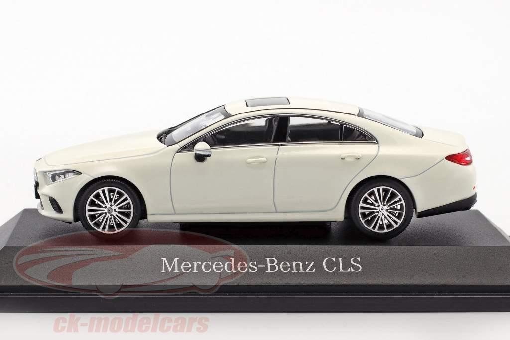 Mercedes-Benz CLS coupe (C257) Opførselsår 2018 designo diamant hvid 1:43 Norev