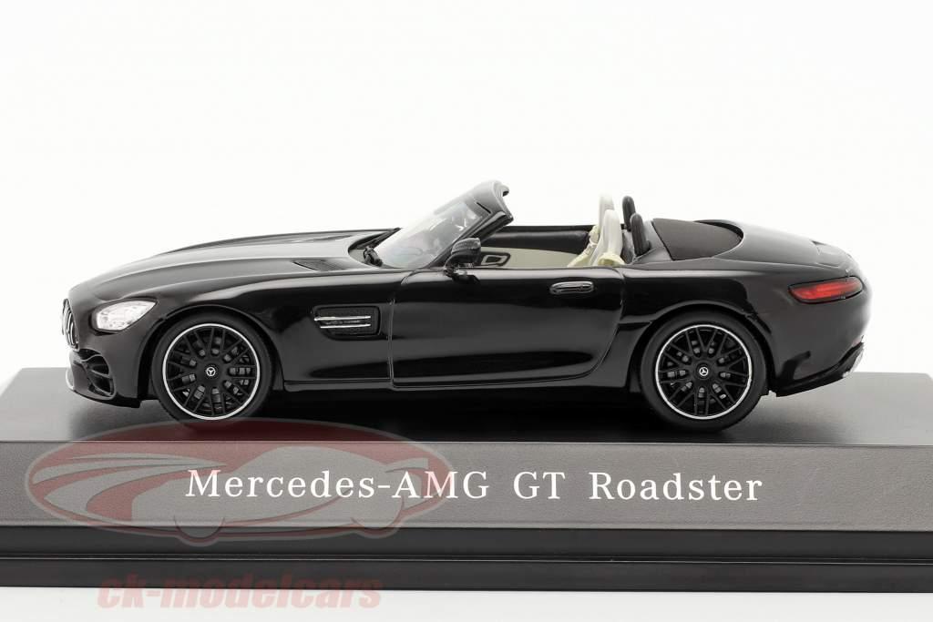 Mercedes-Benz AMG GT Roadster Opførselsår 2017 magnetit sort metallisk 1:43 Spark