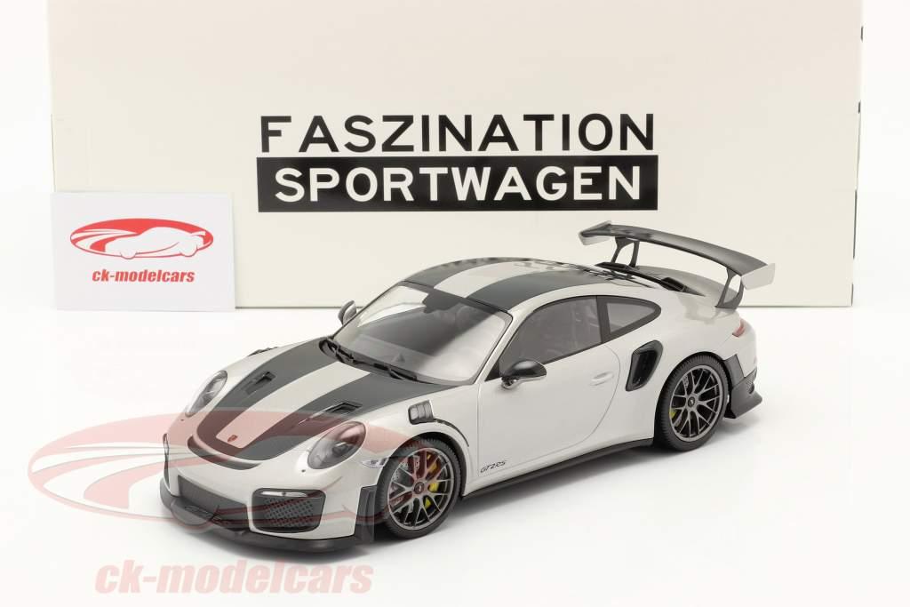 Porsche 911 (991 II) GT2 RS Weissach Package 2018 plata / plata llantas 1:18 Minichamps