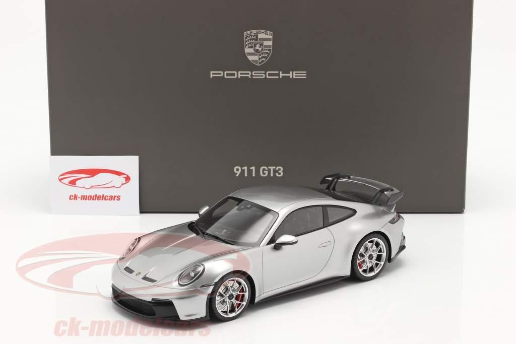 Porsche 911 (992) GT3 2021 GTシルバー メタリック と ショーケース 1:18 Minichamps
