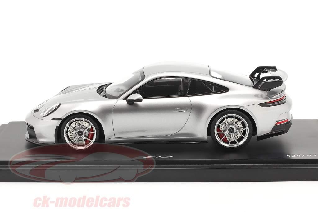 Porsche 911 (992) GT3 2021 GT prata metálico com Mostruário 1:18 Minichamps