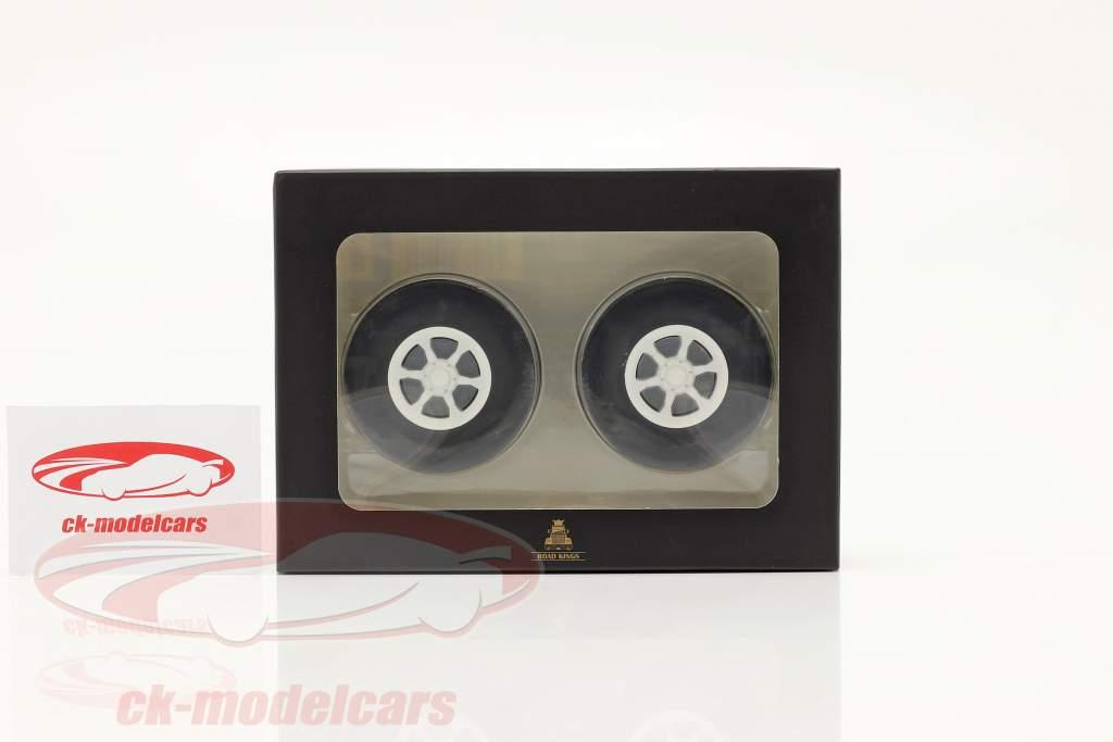 Trilex cerchi e pneumatico impostato 1:18 Road Kings