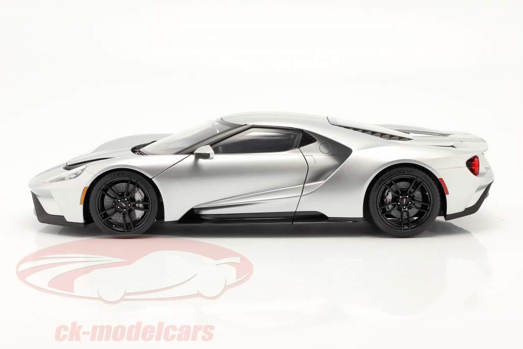 Ford GT bouwjaar 2017 zilver / zwart 1:12 AUTOart