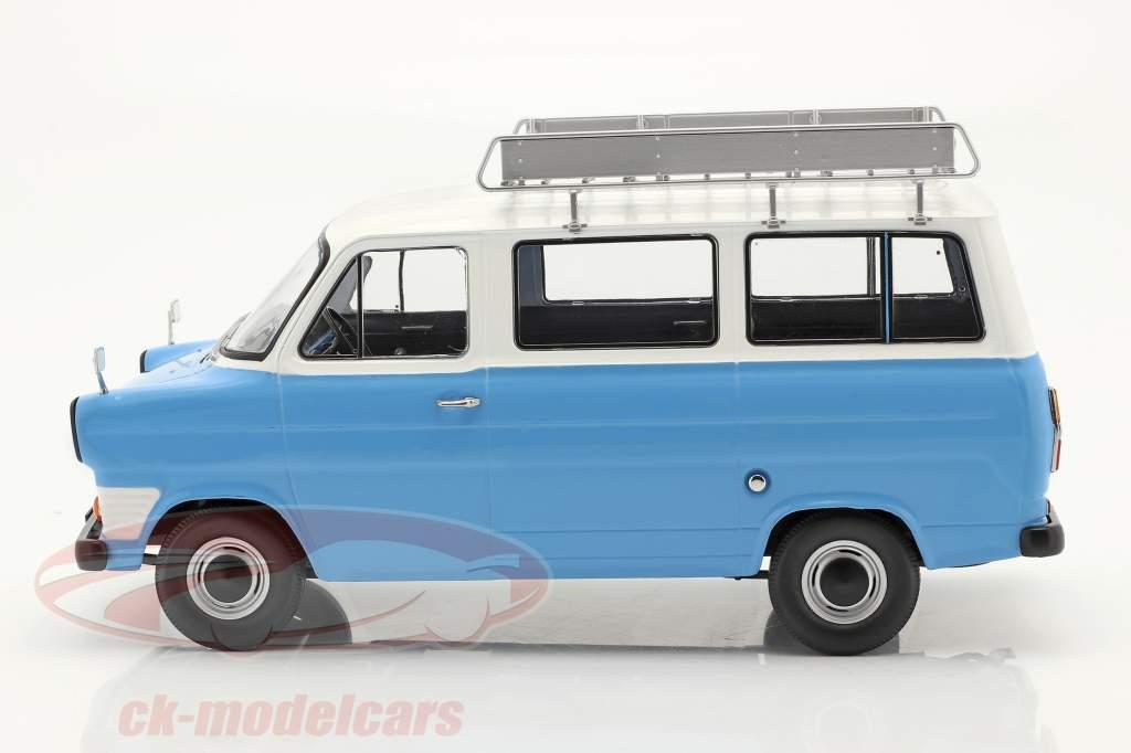 Ford Transit Bus bouwjaar 1965 Lichtblauw / wit 1:18 KK-Scale