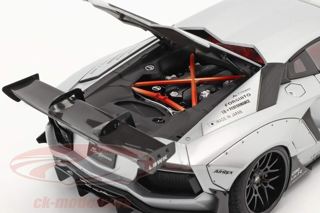 Lamborghini Aventador LB-Works Année de construction 2018 givré argent métallique 1:18 AUTOart