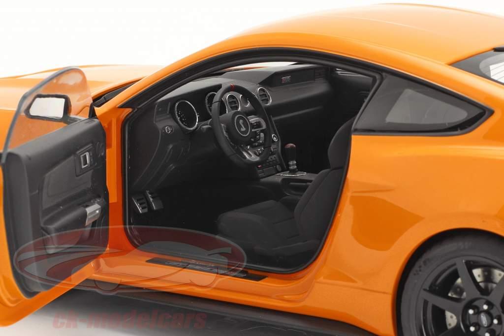 Ford Shelby GT-350R year 2017 orange 1:18 AUTOart