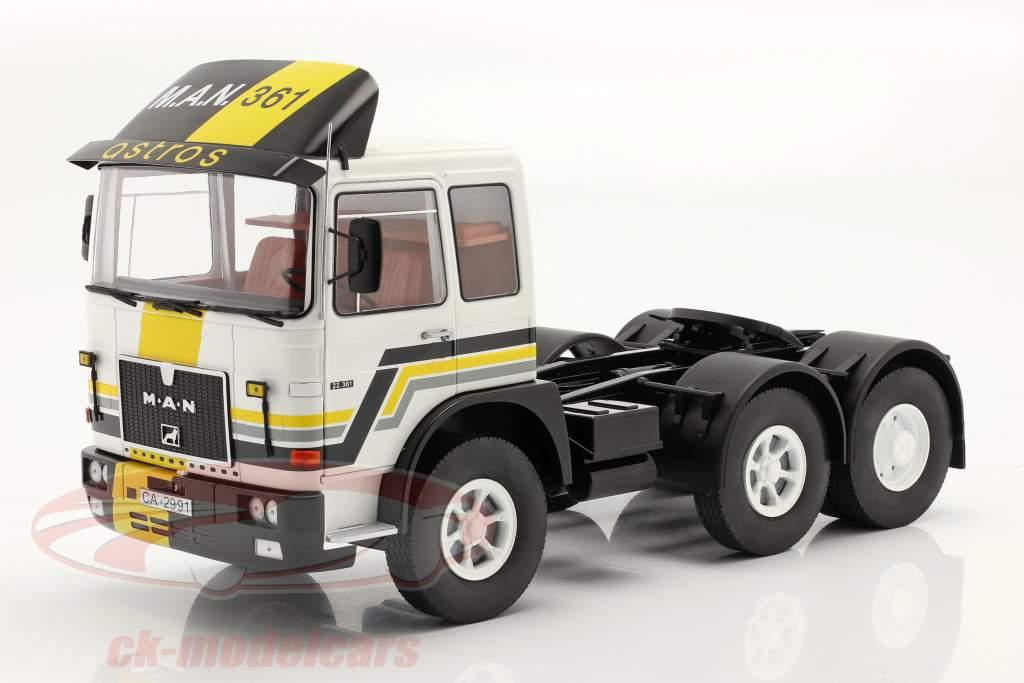 M.A.N. F8 22.361 Unidade de trator Ano de construção 1978 Branco / Preto 1:18 Road Kings