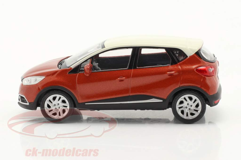 Renault Captur 建設年 2013 ダークオレンジ メタリック / 白い 1:43 Norev