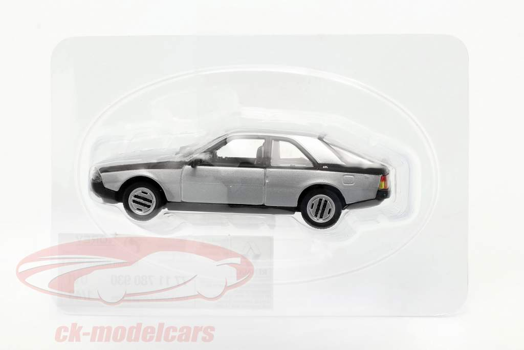 Renault Fuego bouwjaar 1980-1986 zilver 1:43 Norev