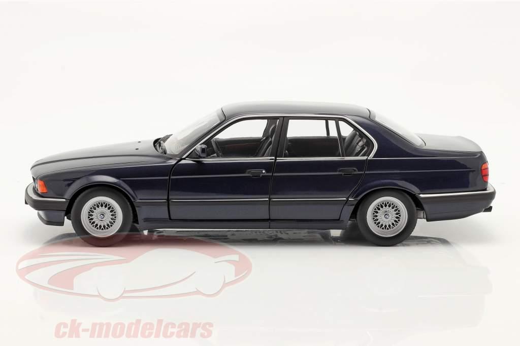 BMW 730i (E32) bouwjaar 1986 donkerblauw metalen 1:18 Minichamps