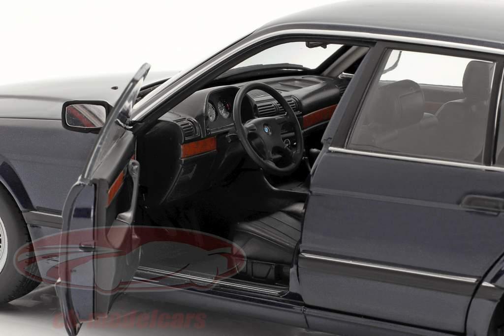 BMW 730i (E32) Anno di costruzione 1986 blu scuro metallico 1:18 Minichamps