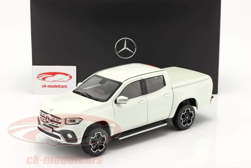 Mercedes-Benz Х-класс bering белый 1:18 Norev