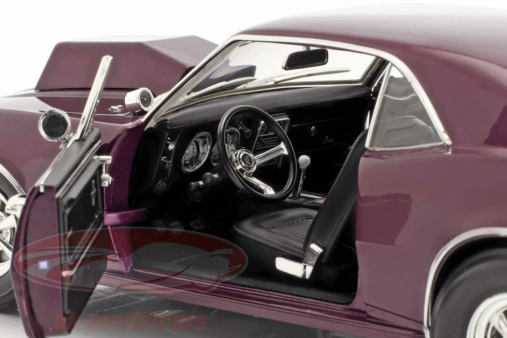 Chevrolet Camaro Drag Outlaws Année de construction 1967 mauve 1:18 MGP