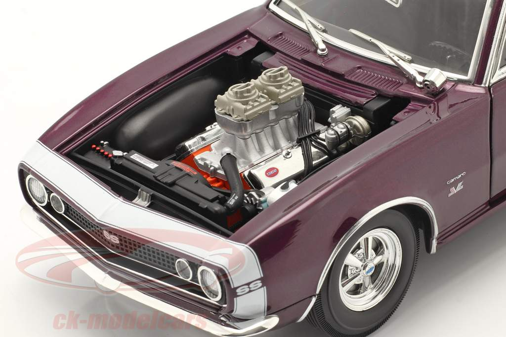 Chevrolet Camaro Drag Outlaws Baujahr 1967 lila 1:18 MGP