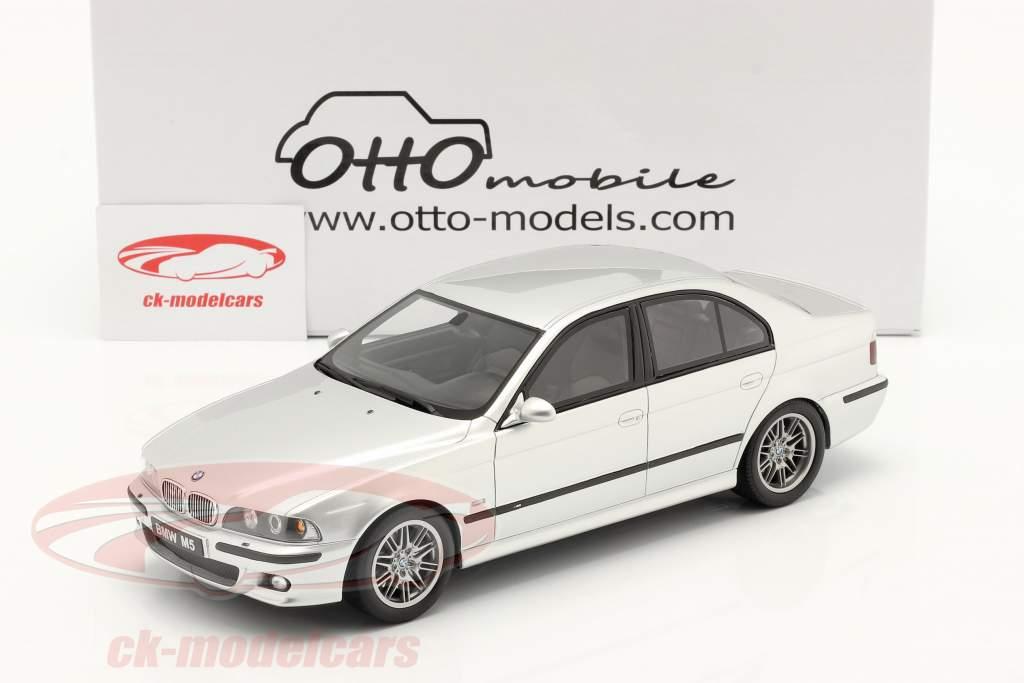 BMW E39 M5 con gris espacio interior Año de construcción 2002 titanio plata 1:18 OttOmobile