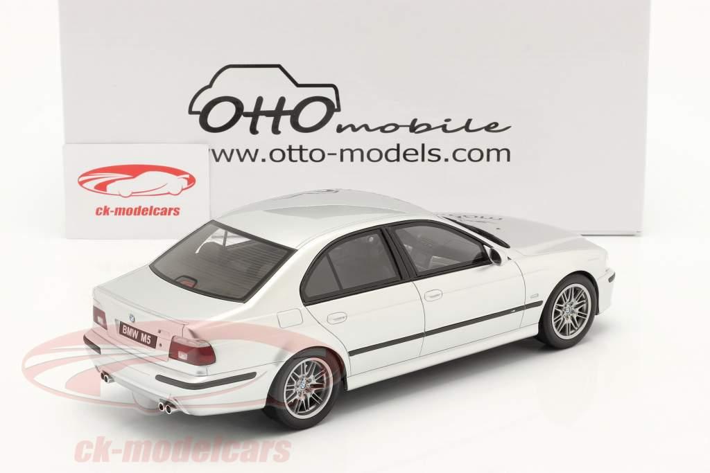 BMW E39 M5 met grijs innerlijke ruimte bouwjaar 2002 titanium zilver 1:18 OttOmobile