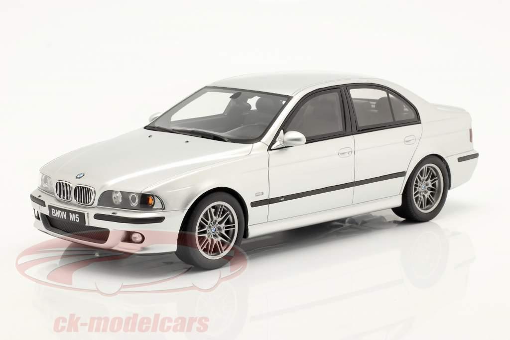 BMW E39 M5 avec grise espace intérieur Année de construction 2002 titane argent 1:18 OttOmobile