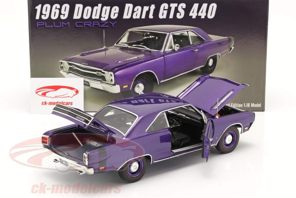 Dodge Dart GTS 440 bouwjaar 1969 paars 1:18 GMP
