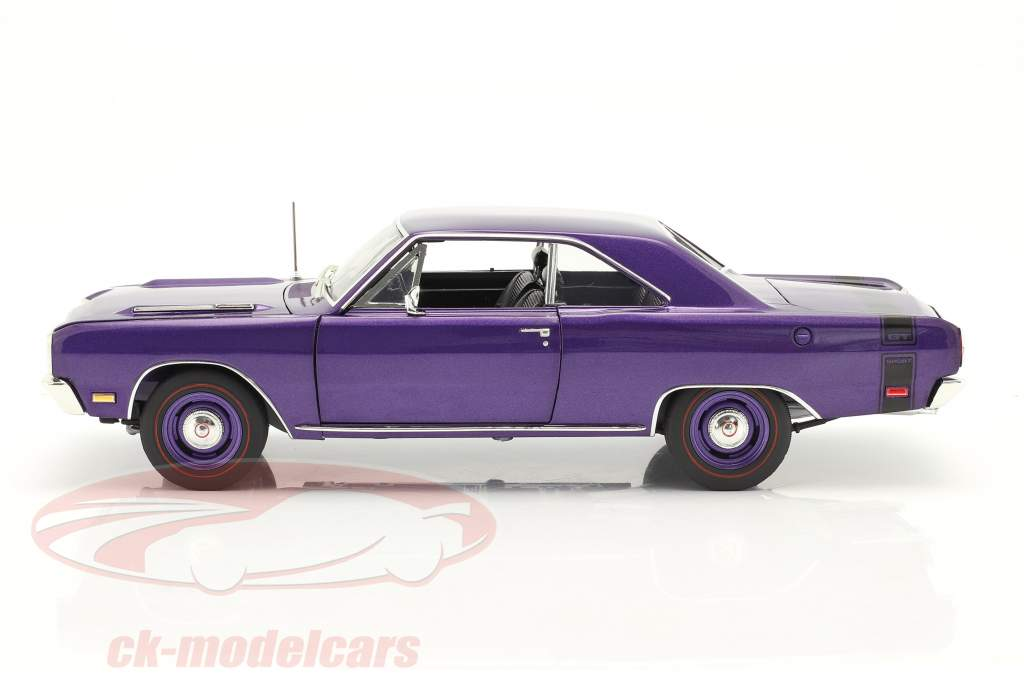 Dodge Dart GTS 440 Año de construcción 1969 púrpura 1:18 GMP