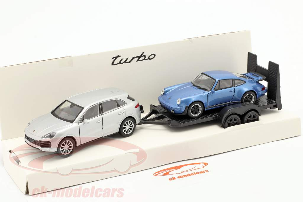 Retrait ensemble Porsche Cayenne Turbo avec pendentif et Porsche 911 Turbo 1:32 Welly