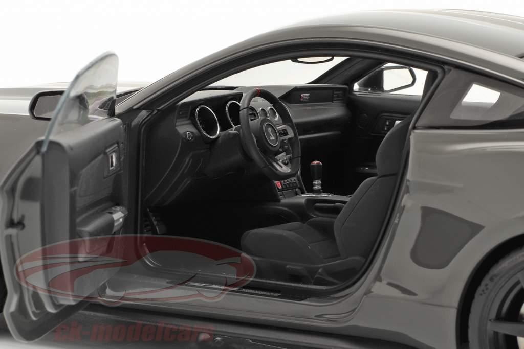 Ford Shelby GT-350R Año de construcción 2017 gris oscuro metálico 1:18 AUTOart