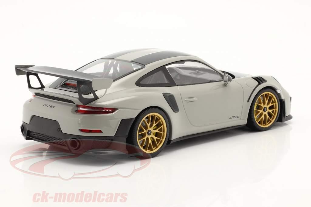 Porsche 911 (991 II) GT2 RS Weissach Paquete 2018 gris claro / dorado llantas 1:18 Minichamps