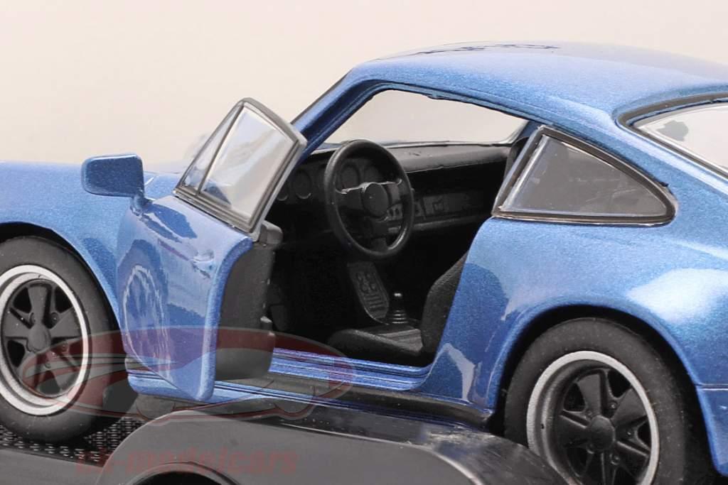 Træk tilbage sæt Porsche Cayenne Turbo med vedhæng og Porsche 911 Turbo 1:32 Welly