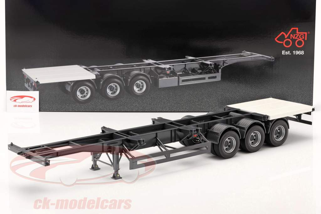 Semi-trailers International with whiter plate for Container 1:18 NZG