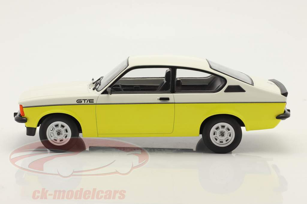Opel Kadett C GT/E bouwjaar 1977 geel / wit 1:18 Norev