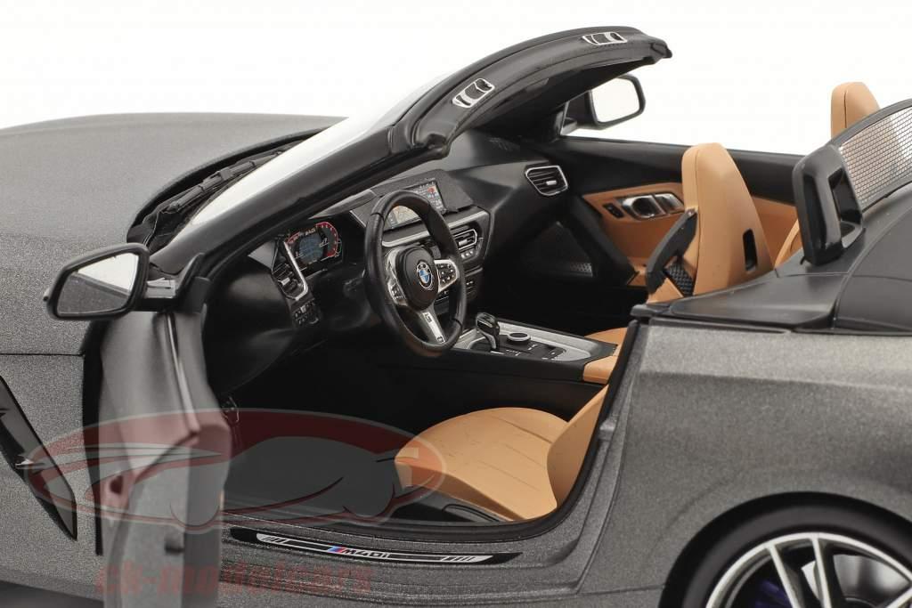 BMW Z4 (G29) Roadster Byggeår 2019 måtte grå metallisk 1:18 Norev