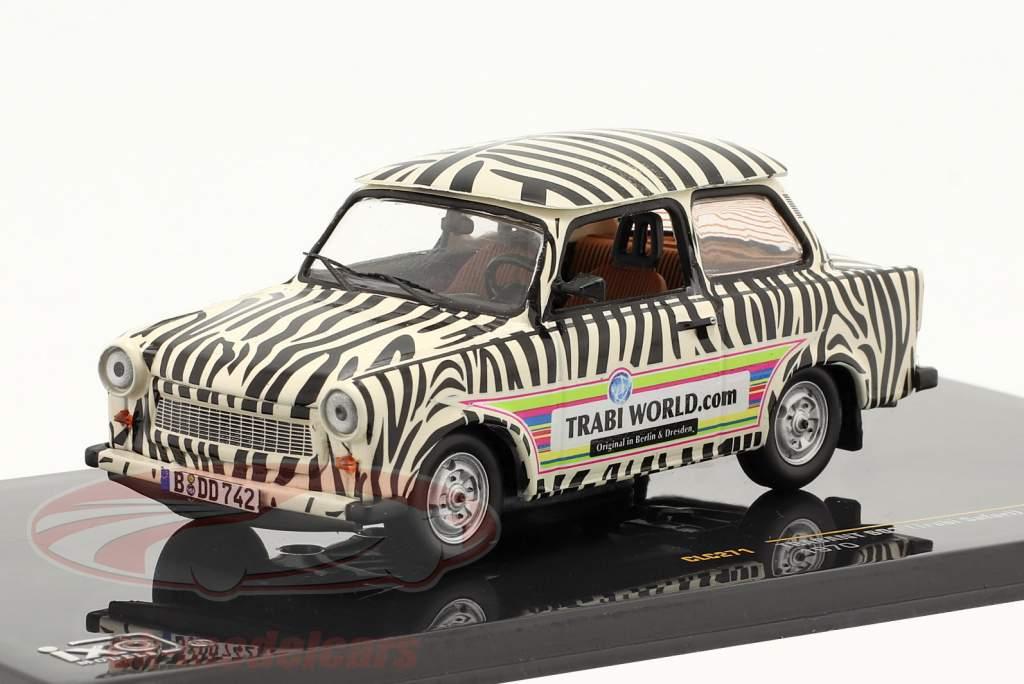 Trabant 601 Safari año 1970 negro / blanco 1:43 Ixo