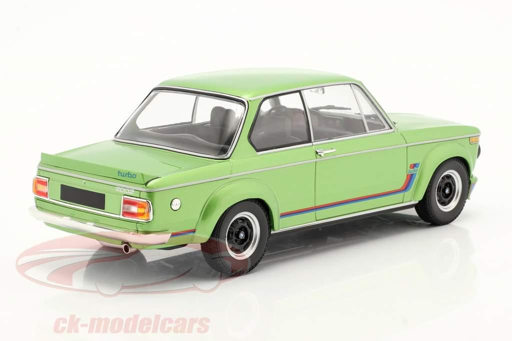 BMW 2002 Turbo bouwjaar 1972 groente metalen 1:18 Minichamps