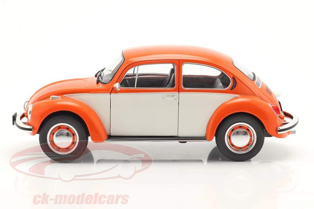 Volkswagen VW Kever 1303 bouwjaar 1974 Oranje / wit 1:18 Solido