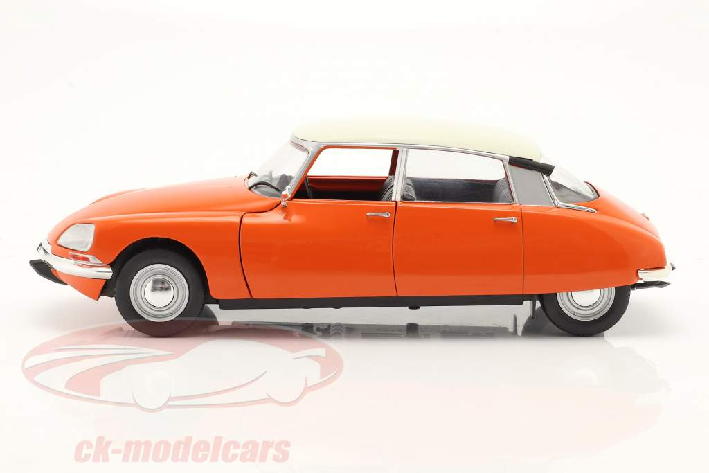 Citroen D Special year 1972 orange 1:18 Solido