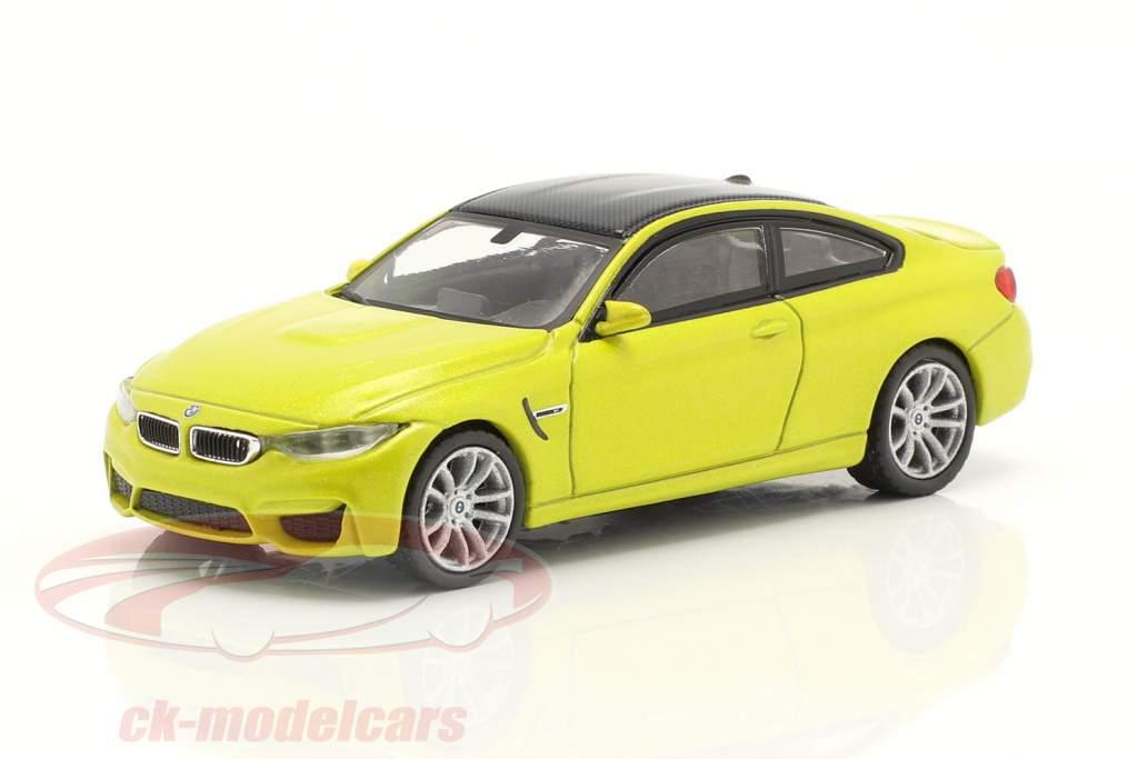 BMW M4 (F82) LHD austin geel metalen 1:64 TrueScale
