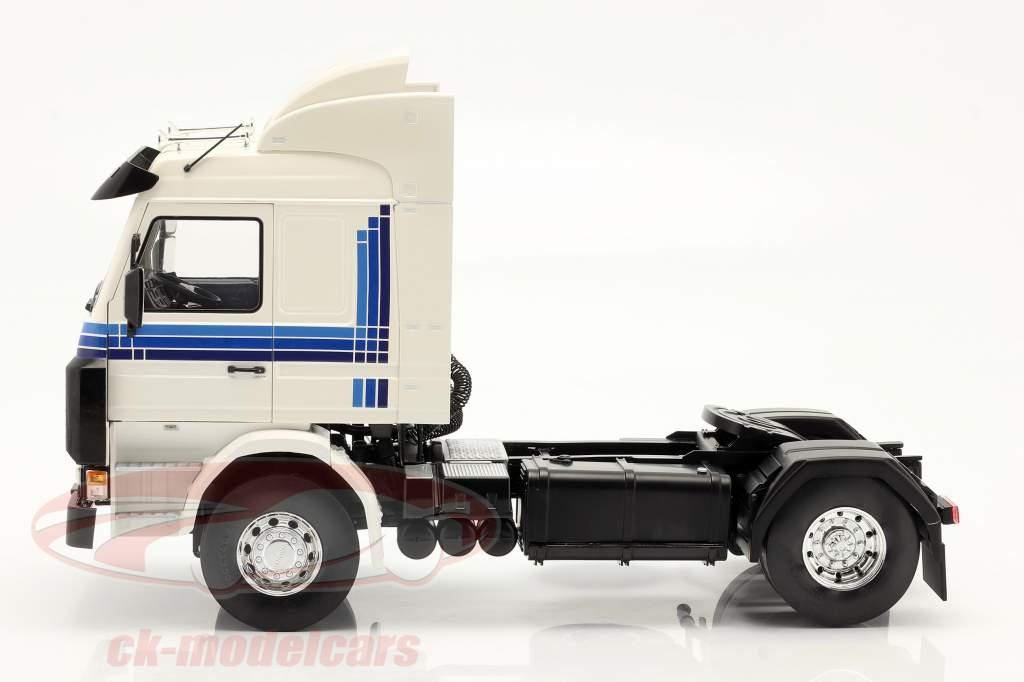 Scania 143 Topline Lastbil 1987 hvid / blå 1:18 Model Car Group