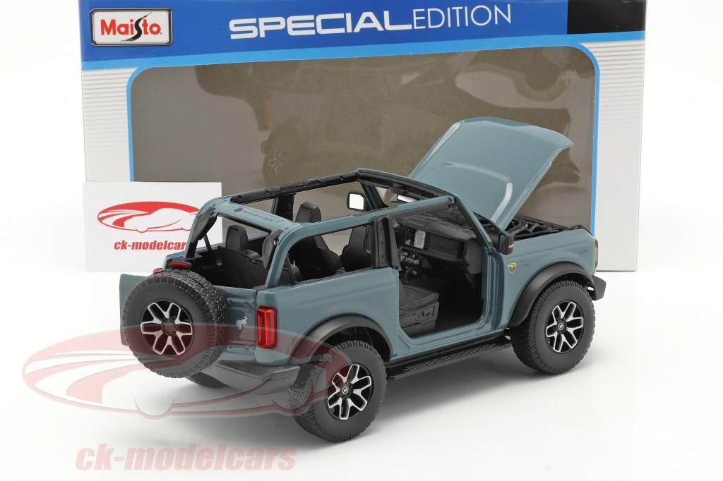 Ford Bronco Badlands (ohne Türen) Baujahr 2021 graublau 1:18 Maisto