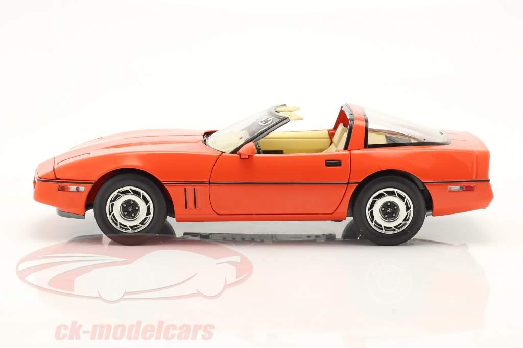 Chevrolet Corvette C4 Año de construcción 1984 hugger naranja 1:18 Greenlight