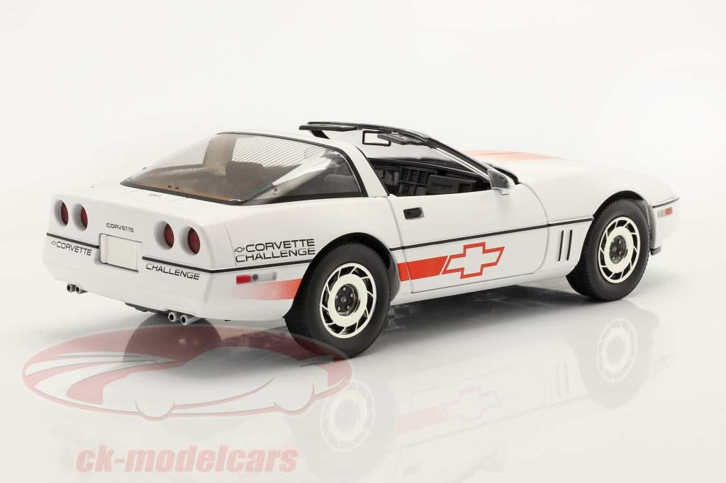 Chevrolet Corvette C4 Año de construcción 1988 blanco / naranja 1:18 Greenlight