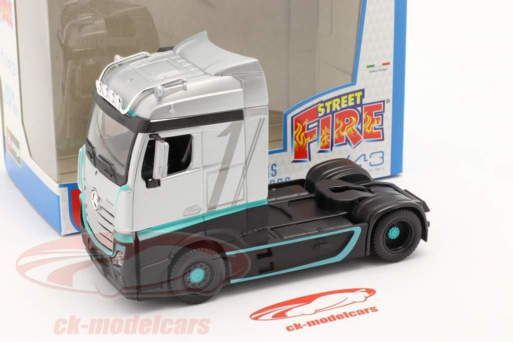 Mercedes-Benz Actros Gigaspace 4x2 Camion argent / le noir 1:43 Bburago