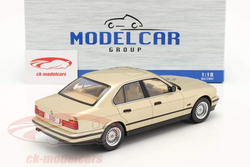 BMW 5 Series (E34) Année de construction 1992 Champagne métallique 1:18 Model Car Group