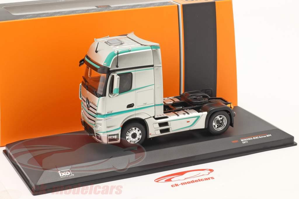 Mercedes-Benz Actros MP4 Truck year 2011 silver 1:43 Ixo