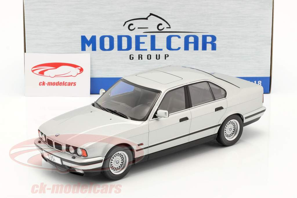 BMW 5 Series (E34) year 1992 silver 1:18 Model Car Group